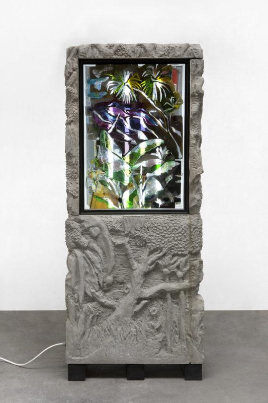 Neil Beloufa - Kamel Mennour - Pre-Post 1, 2019 - Sculpture, technique mixte, 190 x 90 x 35 cm